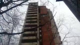 Обрушение облицовки жилого дома на Солидарности 21 из за взрыва при ремонте
