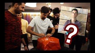 Gave Mo Vlogs Cristiano Ronaldo's gift - See his reaction!