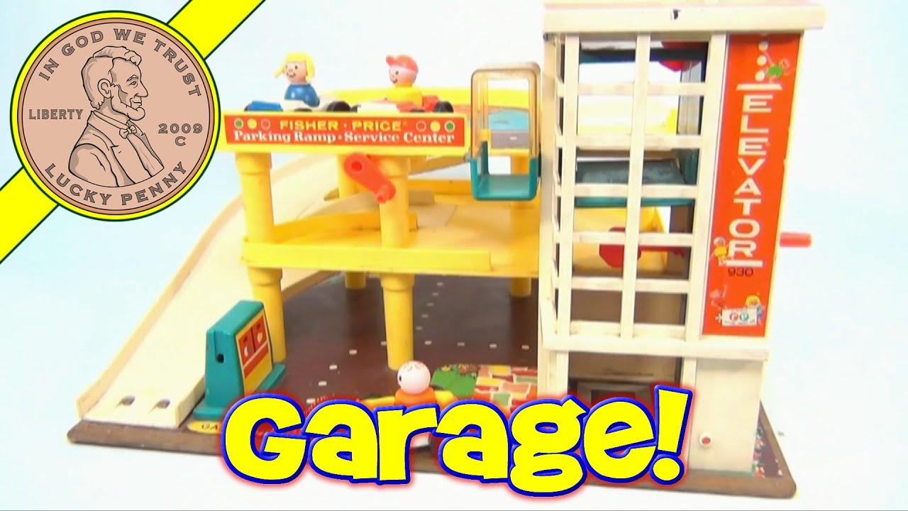 Vintage 1970 Fisher Price Little People Action Garage Toy