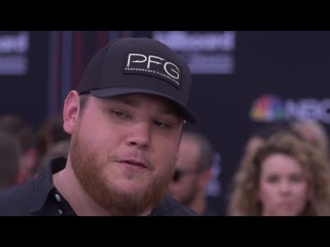 fans-confused-by-cryptic-luke-combs-message