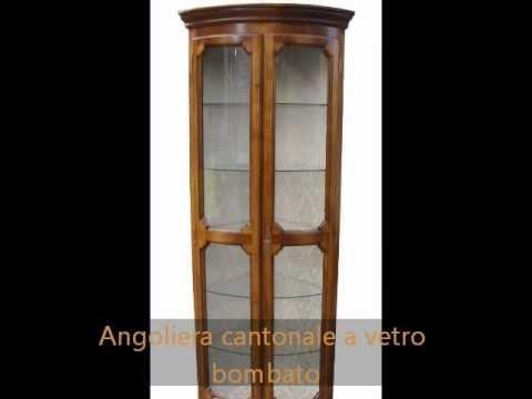Angoliera vetrina ad angolo classica in stile con vetri bombati ...