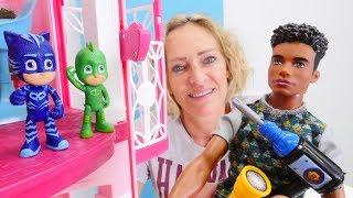 Spielzeugvideo für Kinder. Die PJMasks machen Urlaub in Nicoles Hotel