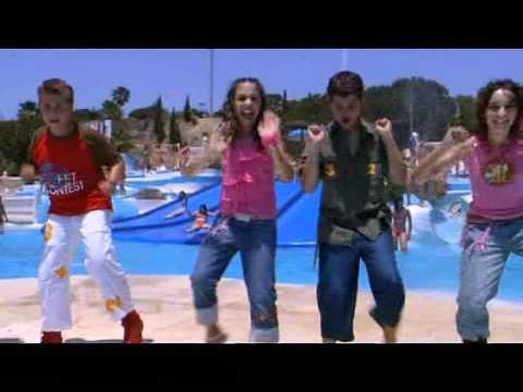 13   Grupo 3+2   El Baile De La Ola Video
