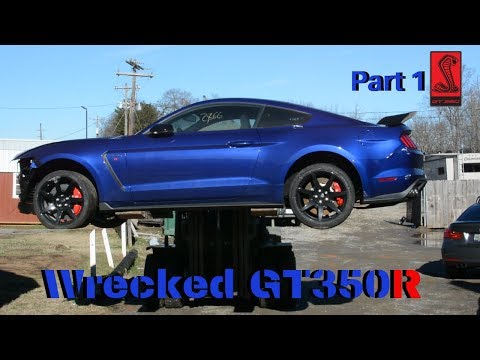 Rebuilding wrecked 2016 Ford Mustang gt350R part 1