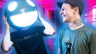 What happens when one of the biggest touring artists in the world is also a massive geek? We find out in Deadmau5's INCREDIBLE house/studio... Buy Nvidia ...