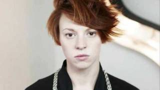 La Roux - In for the Kill  --with Lyrics--