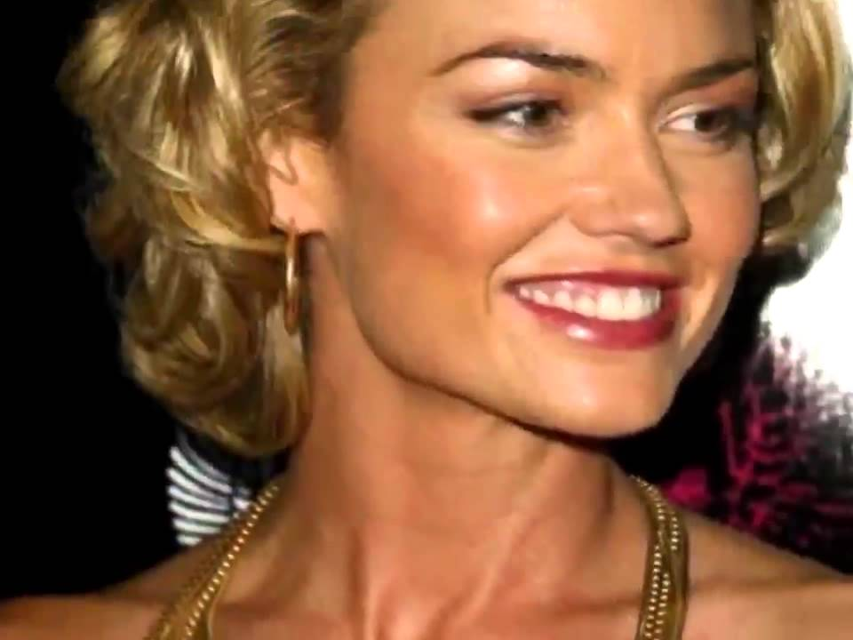 Kelly Carlson Hairstyles Celebrity Fashion Tips Youtube