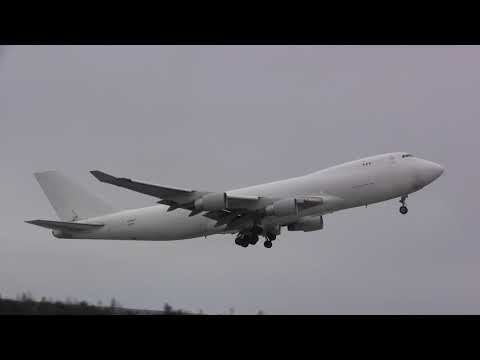 Sky Lease Cargo - Boeing 747-412F - Takeoff