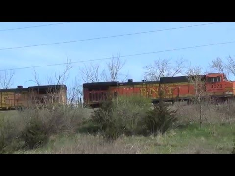 New Gevo and Scale Test Car on BNSF Mixed Freight Train
