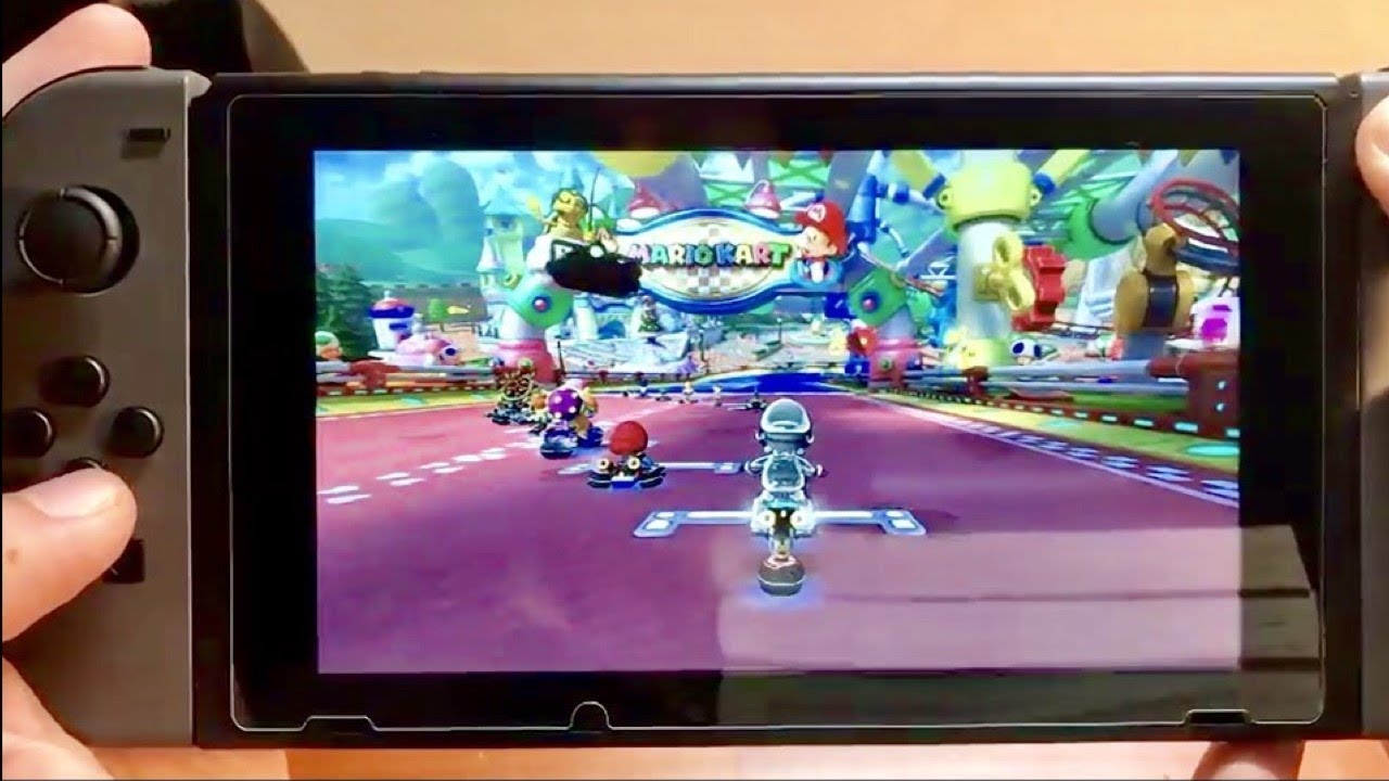 Mario kart 8 deluxe review handheld gameplay making a for Housse nintendo switch mario
