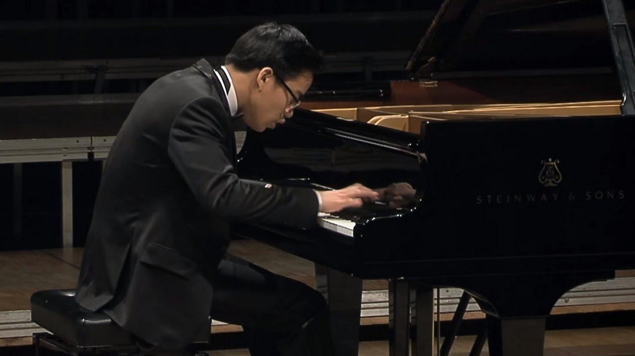 Franz Liszt - La Campanella Etude No.3 in G sharp minor  S.141, Grandes études de Paganini