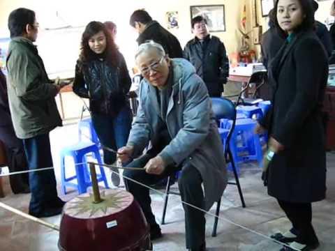 "Chu tich HD nghe thuat Hoi NSVN - GS Trong Bang dem ""Dan Trong quan"""