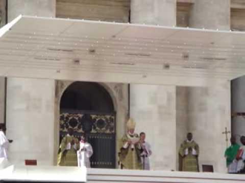 Benção em Português do Papa Bento XVI,...
