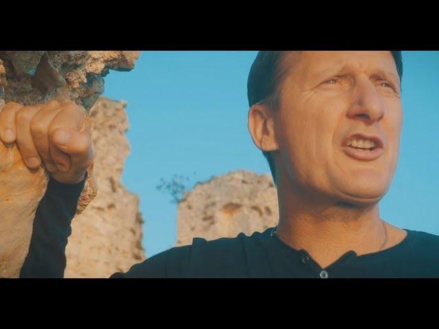 Ne mogu jubav krit - Tomislav Bralić i klapa Intrade (OFFICIAL VIDEO)
