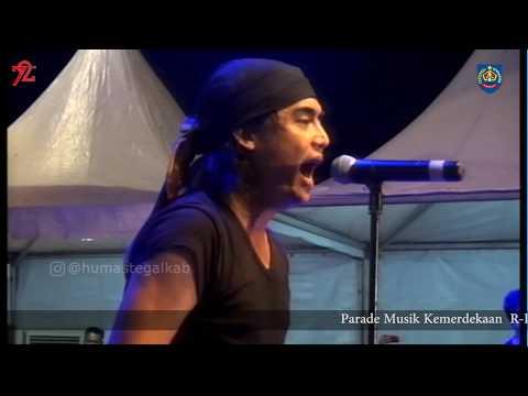 Charly Van Houten feat Rama Eru Konser di Slawi