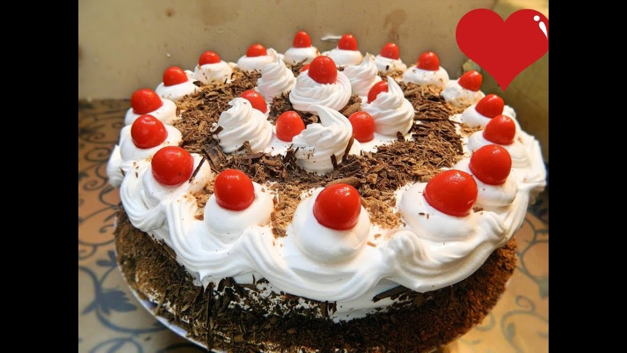 Cake With Whipped Cream Frosting Calories : Eggless Black Forest Cake , Chocolate Cake with Whipped ...