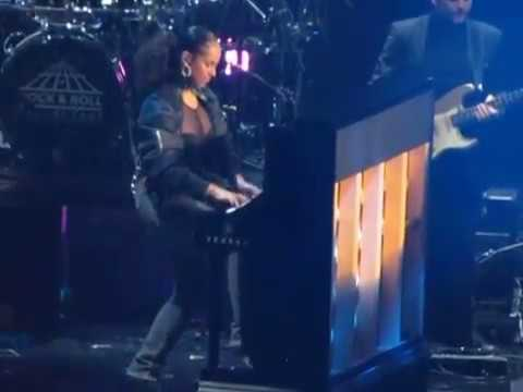 2017 Rock & Roll Hall of Fame - Complete Tupac tribute by Alicia Keys, Snoop Dog & YG