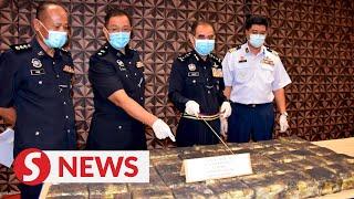 Drug runners' bid to bluff their way past roadblock leads to RM4.2mil syabu seizure