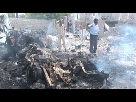 Suicide raid, car bombs leave many dead in Mogadishu