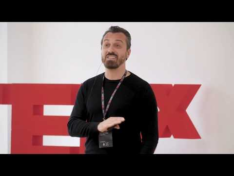 La creatività è un comportamento | Stefano Scozzese | TEDxSchio