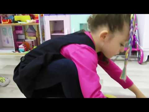 ÖYKÜ MUZ KABUĞUNA BASIP DÜŞTÜ bananas crushed and fell Funny and Fun Kid Videos