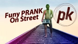 PK Prank On Street -  Funny Reactions Of Dilliwalas!