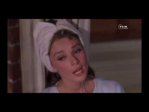 Audrey Hepburn :  Moon River [Breakfast at Tiffany's]