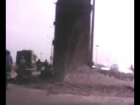 Accident at Kalindi Kunj's Flyover