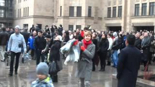 Смотреть видео Возвещение креста Армянской церкви в москве..23.10.2011 онлайн