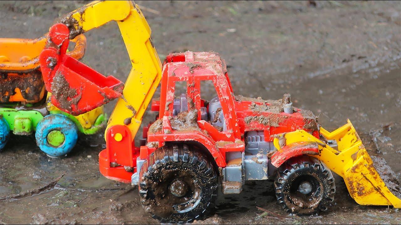 Машины и трактора в грязи. Видео для детей с игрушечными машинами
