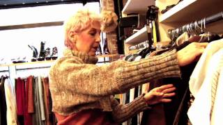 Repeat youtube video Advanced Style: Thrifting with Debra!