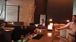 Armani Hotel Dubai Luxushotel Speisesaal Bar im Burj Khalifa Dubai www.VIP-Reisen.de