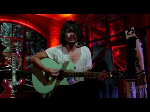 Ello - Kisah Kita Tlah Usai (Live at Music Everywhere) **