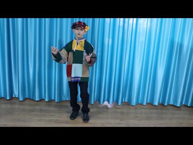 Изображение предпросмотра прочтения – КириллПашков читает произведение «У Иванова двора» (Русский фольклор )