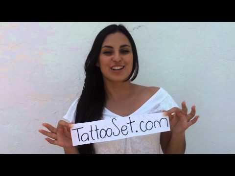 Hermosa mexicana hablando de la red social de tatuajes thumbnail