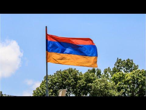В Армении война с пожарами