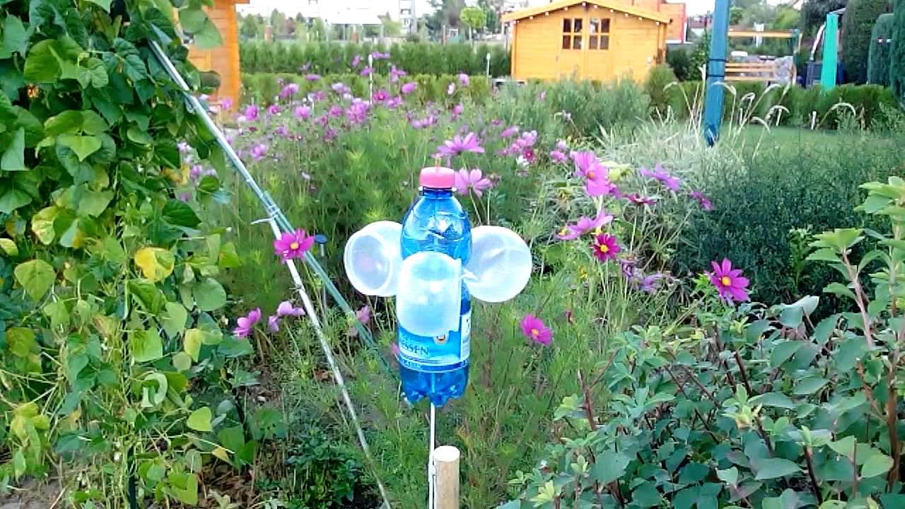 Windspiel aus plastikm youtube for Flaschen deko garten