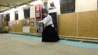 ashi no fumikae ushiro tsuk-sword i [TUTORIAL] basic Aikido weapon technique 合気剣
