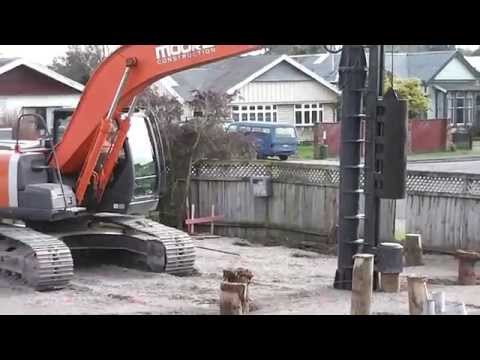 HITACHI Zaxis 200LC Excavator with pile driving mast