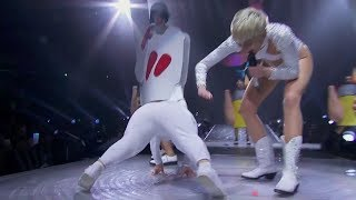 Miley Cyrus - We Can't Stop (Live at the Bangerz Tour)