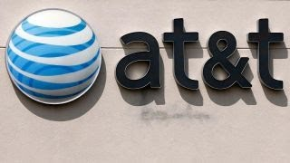 DOJ takes on AT&T-Time Warner deal thumbnail