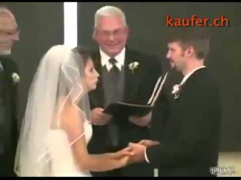 Lachanfall einer Braut bei einer Trauung youtube original