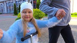 Алиса купила КУКЛУ !!! Новые игрушки для детей / Мими Лисса