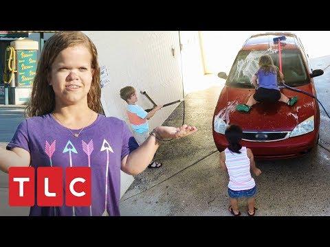 ¡Lavando autos al estilo Johnston! | Una gran familia | TLC Latinoamérica