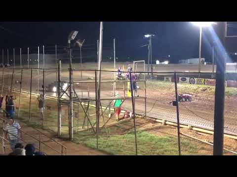Most unbelievable spectator race ever. Abilene Speedway 6/16/18 part 4 of 4