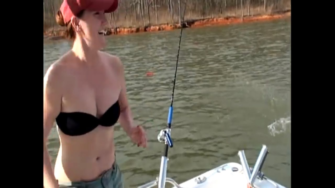 Striped Bass Lake Basics- Catch Shad, Fish Finder TIPS/ SECRETS for  Freshwater Stripers