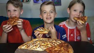 KIDS TRIVIA! -BBQ Chicken and Pepperoni Pizza Mukbang