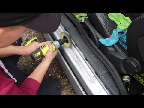 Polishing door sills on Astra VXR