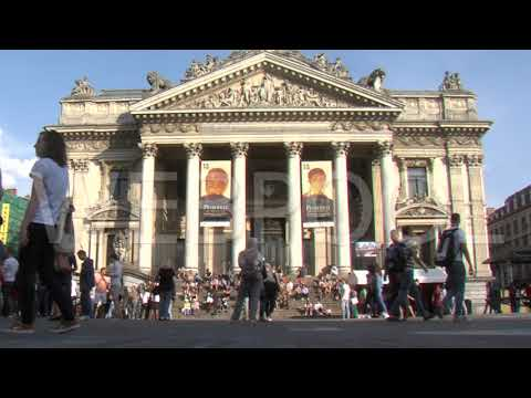 Stockfootage: People walking by the Brussels Stock Exchange