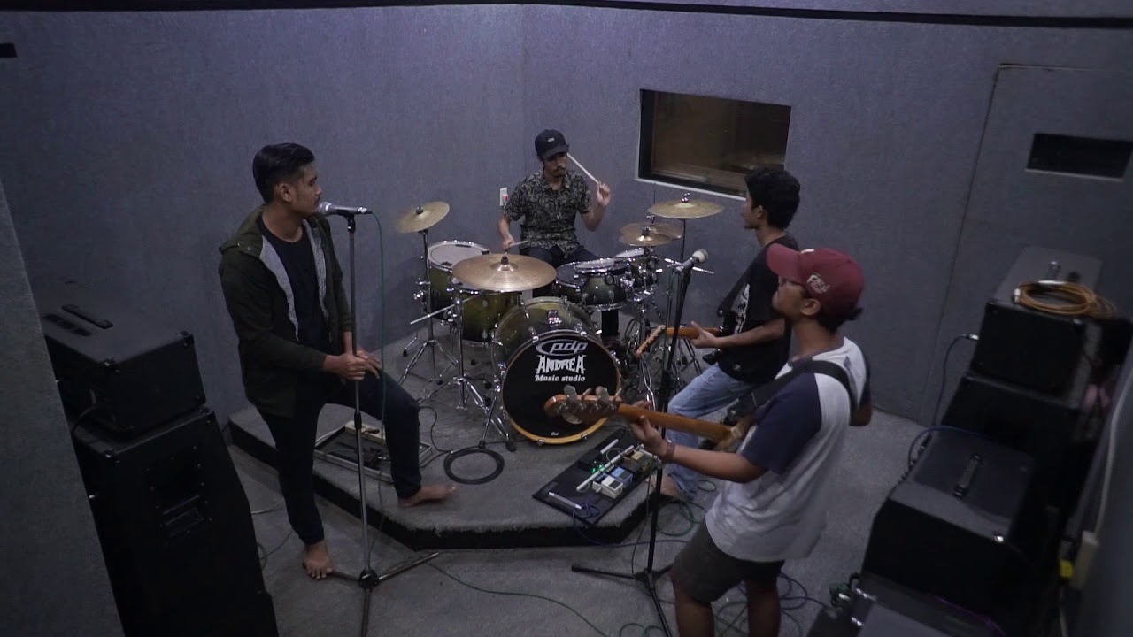 Vina Panduwinata - Cinta ( Funk Version )
